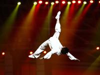 2010广州亚残会闭幕式文艺表演《光与梦》篇章[高清]