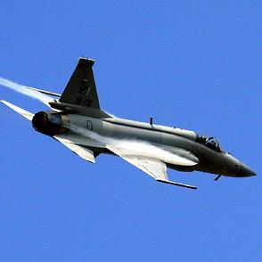 2010珠海 航展 中国网 枭龙战机 飞行表演