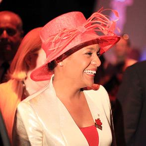 2010年7月1日,上海世博会加拿大国家馆日,加拿大总督在馆内参观.