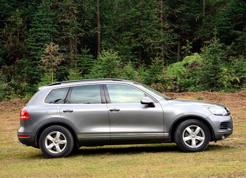 高性价比大型suv jeep大切诺基 大众途锐对比 寿光汽车网 高清图片
