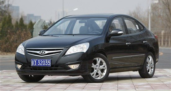 推荐3:北京现代悦动-摆脱挤车烦恼 10万元左右家用代步车高清图片