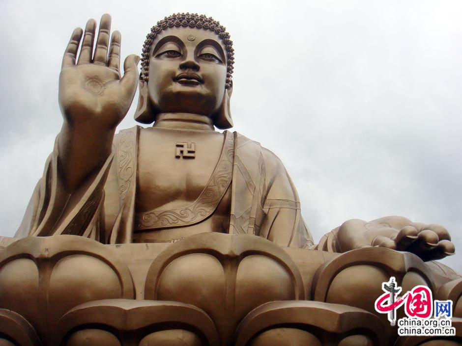 世界第一锡青铜铸大坐佛——南山大佛