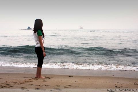 被大浪卷入海中在线视频;