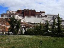 西藏政教合一的统治中心——布达拉宫