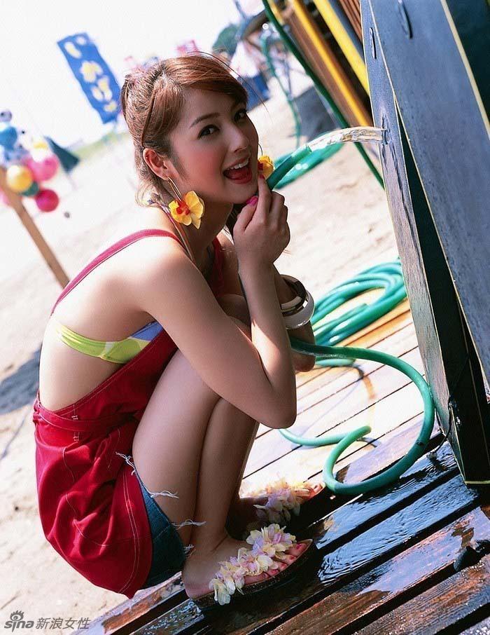 日本女星佐佐木希最新写真