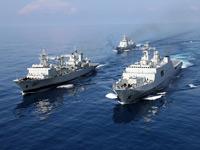 """中国海军护航编队——亚丁湾上最可信赖的""""保护神"""""""