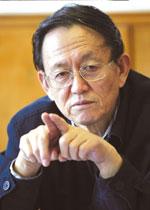 """第二届""""科学·人文·未来""""论坛 中国海洋大学 毕淑敏 王蒙 蒋子龙"""