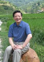 """第二届""""科学·人文·未来""""论坛 中国海洋大学 毕淑敏 王蒙 王琦"""