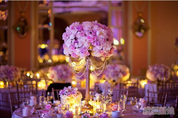 酒店西式婚宴奢华搭配 大气餐桌布置技巧(图)