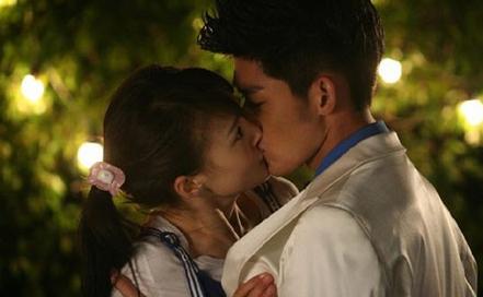 4583,一个甜甜的深吻(原创) - 春风化雨 - 春风化雨的博客