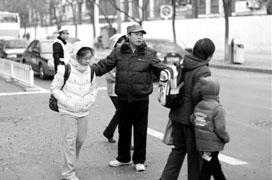 11月25日,記者從省招辦獲悉,甘肅省2012年全國碩士研究生入學考試報名工作已經結束,我省確認後的碩士研究生實際報考人數為30205人,比2011年增加2729人,達到歷史新高。