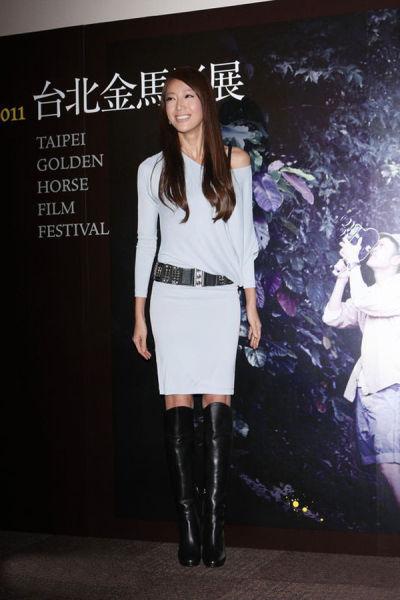 高个儿美女的隋棠选择的是过膝靴