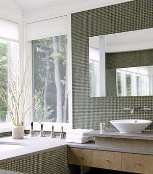 欧式风格浴室柜:采用洁净清爽的白色调