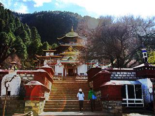 西藏林芝:喇嘛嶺寺