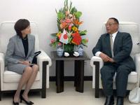 中国残联主席邓朴方会见日本首相夫人安倍昭惠
