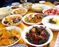 """白族传统盛宴:""""八大碗"""""""