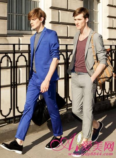 蓝色休闲鞋夏季搭配