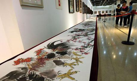 重庆画家8年创作57.8米长《百鸡图长卷》