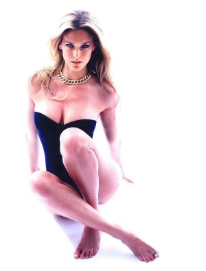 以色列金发美女芭儿・拉法利才27岁