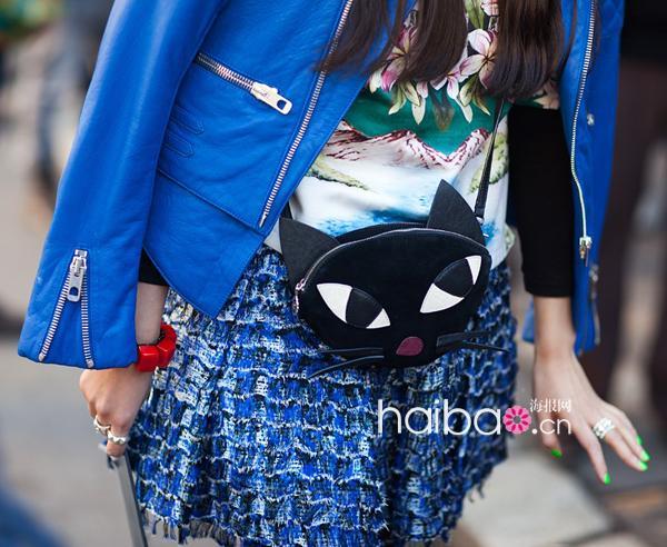 欧美 街拍/2012夏季欧美型人街拍宝蓝色单品示范穿搭