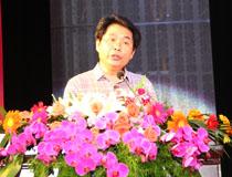 新教育研究院院長盧志文