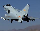 驻藏空军歼10战机在雪域高原实弹巡航