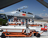 歼11改装适应青藏高原 挂载R-27、R-73空空导弹