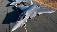 """F-35""""闪电II""""联合攻击战斗机"""