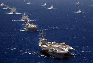 """美航母率多国40余舰船海上""""走秀"""""""