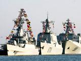 南海舰队悬挂满旗 喜迎八一[组图]