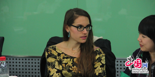 伊黎斯:在出国之前学生需选择一个好的语言机构
