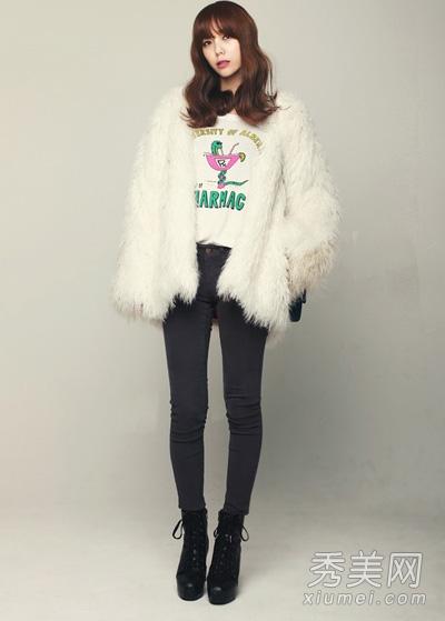 冬季潮流短款靴 搭配小脚裤拉长身材比例