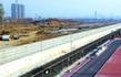 近日,在地铁郭公庄车辆段旁的空地上,平整作业即将开始。 记者 吴镝摄