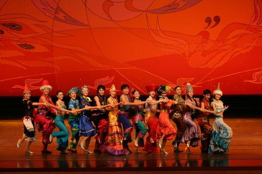 中央民族歌舞团演出-中央民族歌舞团 60年流光溢彩