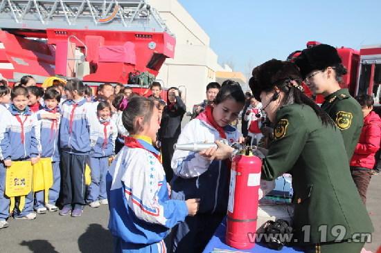 2012新疆消防风采