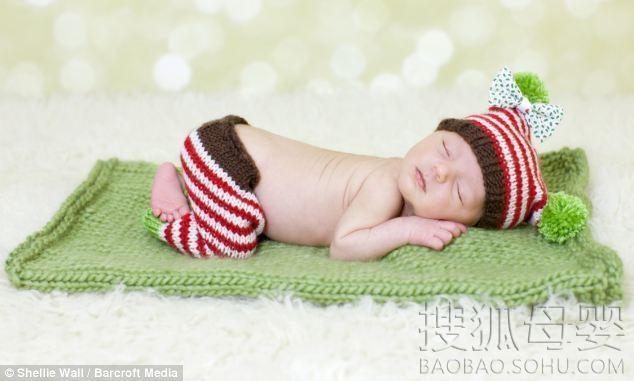女人可爱睡姿照片
