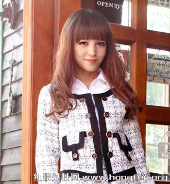 2013最潮齐刘海长卷发发型 轻松塑造清纯甜美气质 -2013最潮齐刘海