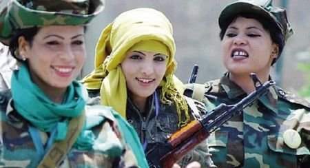 卡扎菲最美女保镖被曝遭人轮奸虐