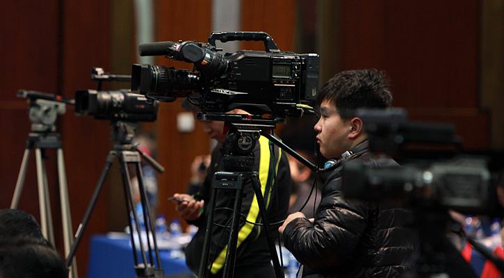 现场媒体摄像机。