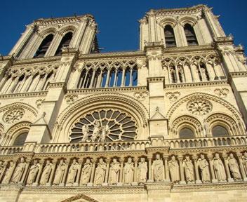 庆生新钟运往巴黎圣母院