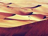 世界上离城市最近的沙漠--库木塔格沙漠[组图]