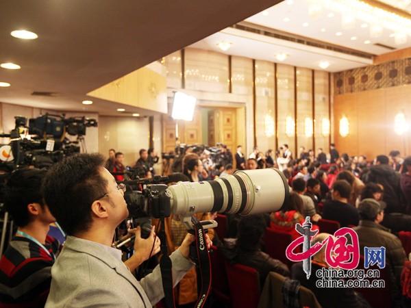 十二届全国人大一次会议新闻发布会_新闻中心_腾讯 ...