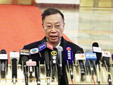 卫生部副部长黄洁夫:大部制改革有利于食品药品监管[组图]