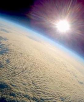 """天文爱好者""""太空拍地球"""" 照片堪比NASA"""