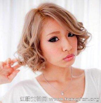 2013女生短发烫发型 短发荷叶头修颜最时尚