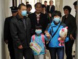 北京首例H7N9禽流感小患者康复出院[组图]