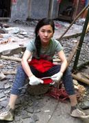 汶川地震斷腿女教師赴蘆山災區當志願者