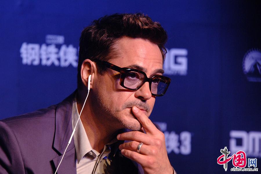 钢铁侠3 好莱坞首映 盘点小唐尼招牌卖萌搞怪 高清图片