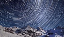 英国南极科考队女医生拍壮丽星空:选印成邮票