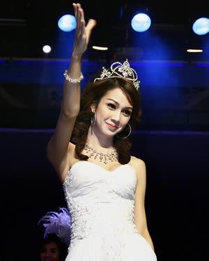 """,一组泰国人妖皇后选美照曝光。历届""""人妖皇后"""